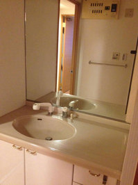 マンションまるごとハウスクリーニング 洗面所クリーニング完了