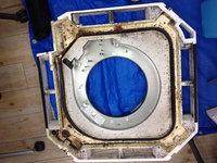 鹿児島市内 オフィス 業務用天カセ4方向エアコンクリーニング ドレンパン内カビ汚れ