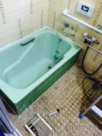 在宅戸建て4LDKまるごとおそうじ 浴室クリーニング 浴槽・タイル水垢除去後