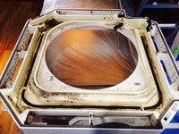 店舗業務用エアコンクリーニング 天カセ4方向エアコン 分解 ドレンパン カビ汚れ