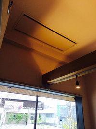 店舗業務用エアコンクリーニング 天井埋め込み型大型ダクトタイプ2