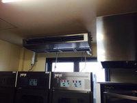 店舗業務用エアコンクリーニング 厨房大型天吊1方向タイプ1