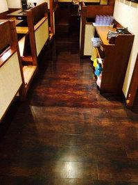 店舗定期ワックス作業中 客室廊下1