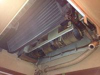 病院 業務用天吊り1方向エアコンクリーニング 分解作業中 鹿児島市内