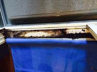 浴室周りクリーニング 汚れハードクラス ドアレール部分カビ、水垢汚れ 鹿児島市