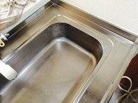 キッチンクリーニング 水垢除去作業中
