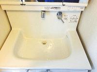 戸建 洗面所クリーニング 洗面ボウル水垢除去中 鹿児島市中山