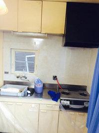 水周りクリーニング 台所キッチンとレンジフードクリーニング 作業中 鹿児島市谷山方面