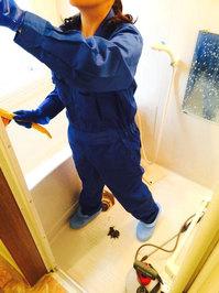 水周りクリーニング お風呂浴室クリーニング 作業中 鹿児島市谷山方面