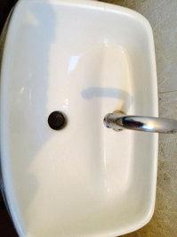 浴室トイレ清掃クリーニングと、浴室防カビコーティング トイレ水洗タンク作業前  戸建20年以上 鹿児島市喜入町方面 おそうじ本舗鹿児島西田店