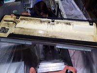 飲食店 業務用エアコンクリーニング×2 鹿児島市 おそうじ本舗鹿児島西田店 ダイキン天井吊り下げ型1方向エアコン 分解作業中