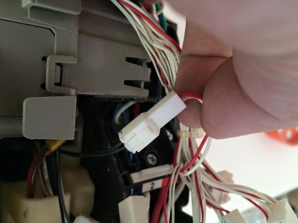 おそうじ機能付きロボットエアコン分解クリーニング3台 鹿児島市内 分解作業中