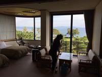 女性スタッフもお手伝い 年末恒例 指宿白水館ホテル 全窓定期清掃クリーニング
