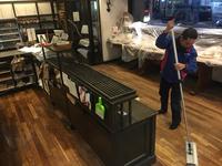 (定期) パン屋さん 業務用エアコン洗浄、床洗浄除菌ワックス、窓ガラスクリーニング他 鹿児島市紫原方面⑦